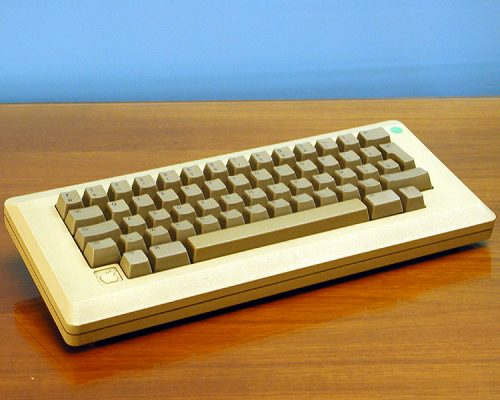 Apple_Macintosh_Plus_Keyboard